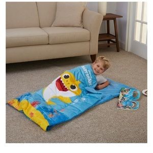 Baby shark weighted blanket sleeping bag NWT kids